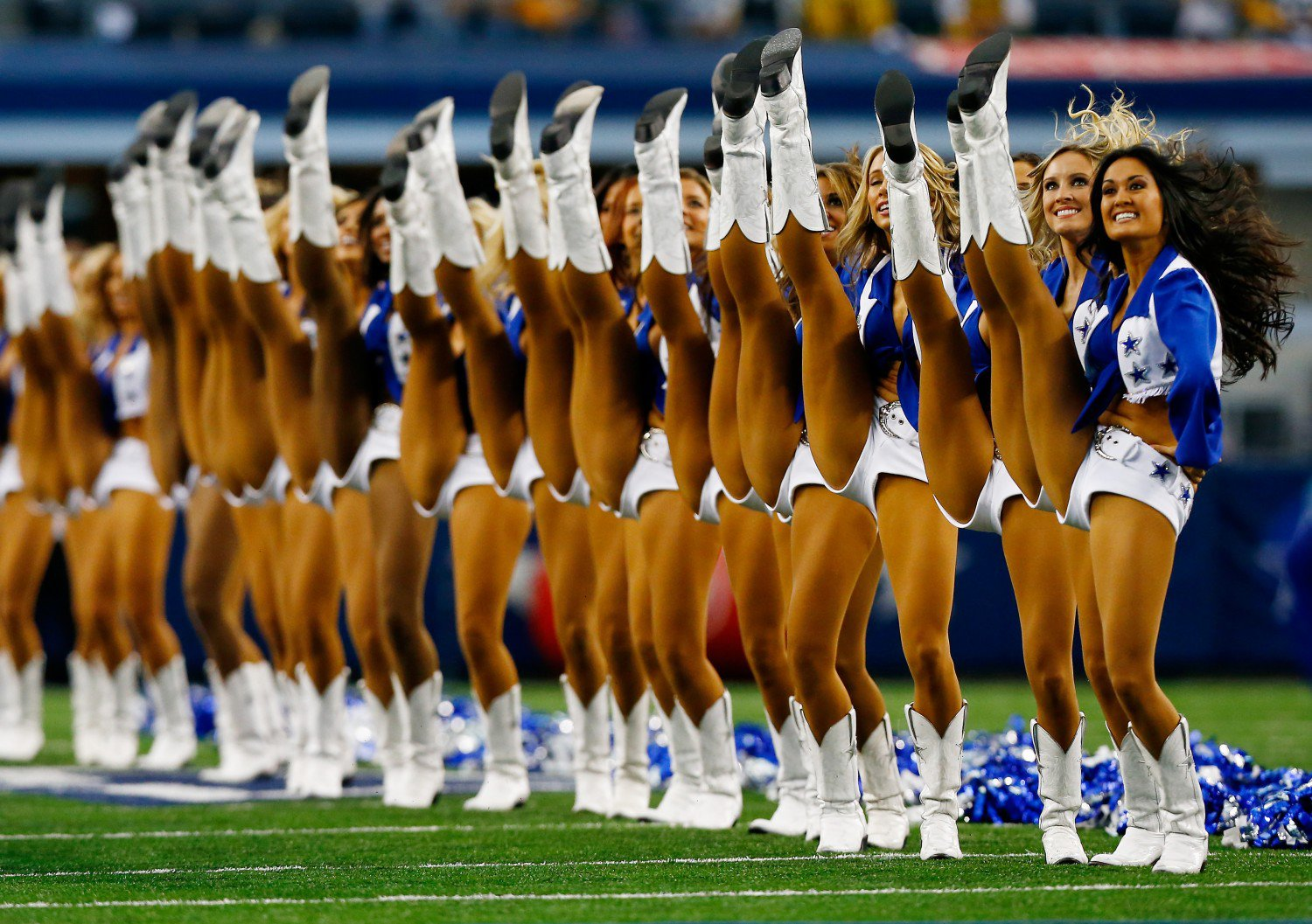 Photos--young naked cheerleaders porn vids