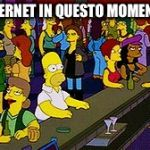 Homer Bar | INTERNET IN QUESTO MOMENTO | image tagged in homer bar | made w/ Imgflip meme maker