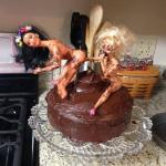 2 girls , 1 cake meme