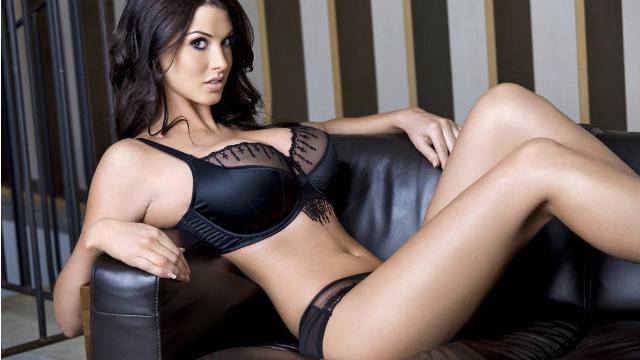 Mature glamour models uk ireland