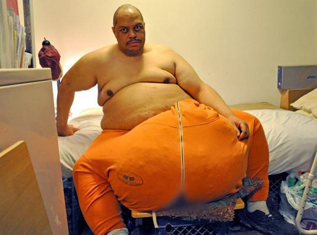 Самый огромный пенис в мире, раздирает влагалище худенькой девочке