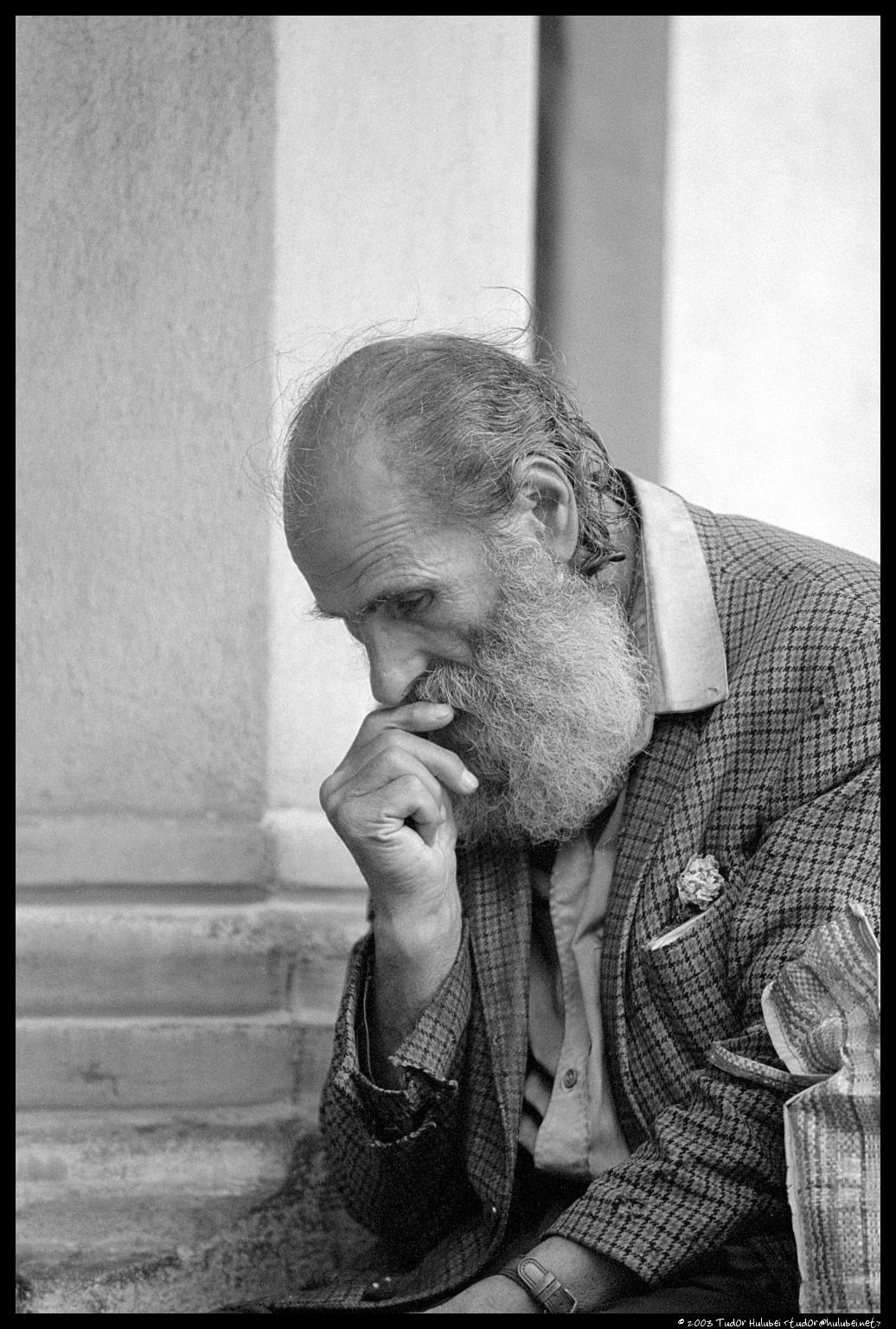 40b94774c0 Old man waiting · Old man waiting Meme Template